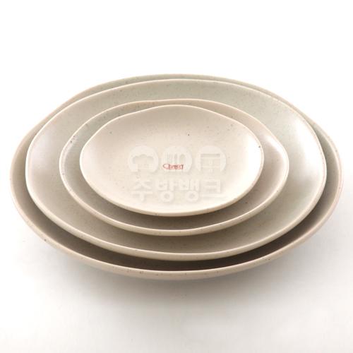 DH 10678 아이보리 도자기 원형 접시